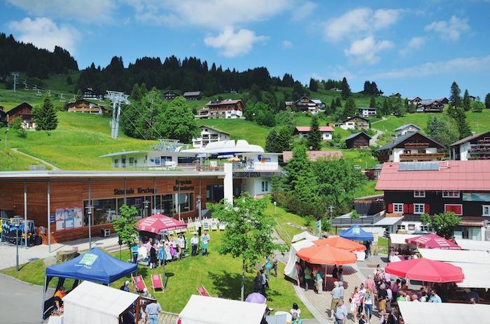 Der Marktplatz in Hirschegg im Kleinwalsertal