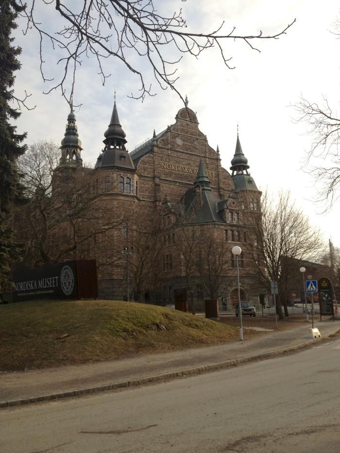Stockholm Museum: Das Nordiska Museet in Stockholm von außen
