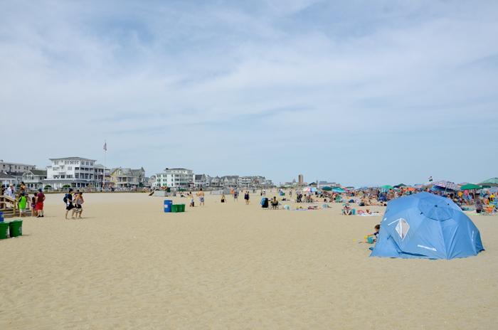 Der breite Strand in Ocean Grove am Jersey Shore
