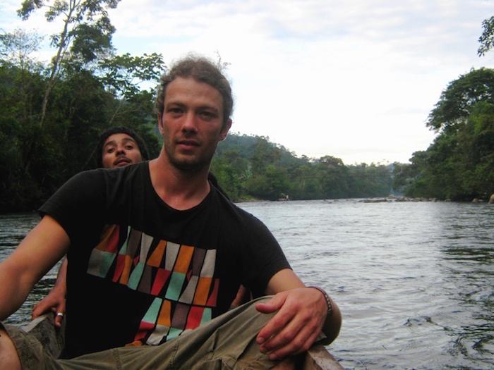Timo auf dem Amazonas in Südamerika