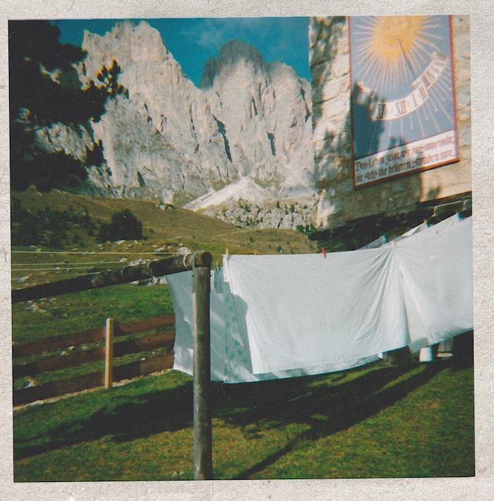 Digital Detox in Südtirol: Wäsche vor der Regensburgerhütte
