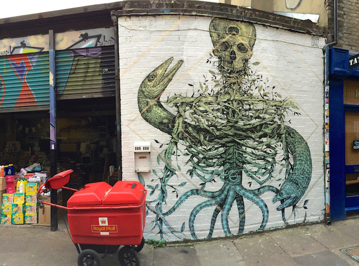 Streetart in London in form of a huge wall painting
