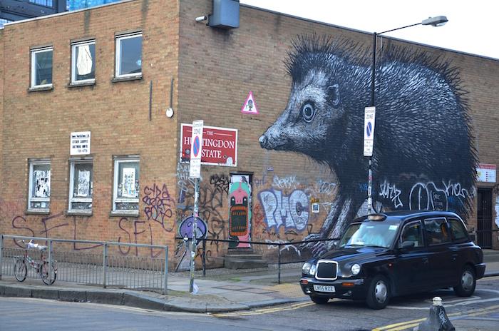 The Hedgehog by ROA ist ein gutes Beispiel von Streetart in London