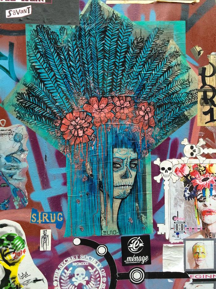 Auch Aufkleber werden in London zu Streetart