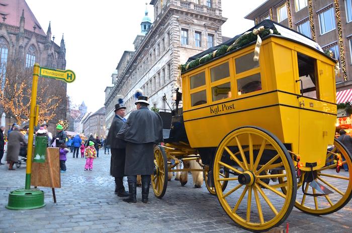 Die Postkutsche am Christkindlesmarkt in Nürnberg