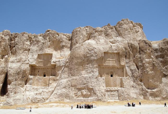 Mit dem Visum Iran darf man Necropolis besuchen