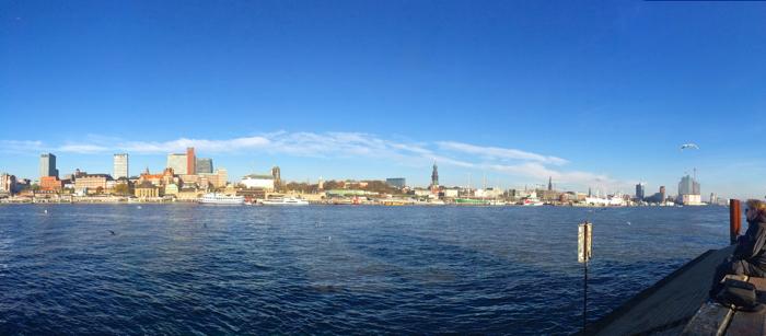 Hamburg Tipps: das Panorama vom andern Ufer der Elbe