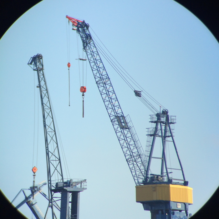 Hamburg Tipps: die Kräne des Hamburger Hafen von ganz nah