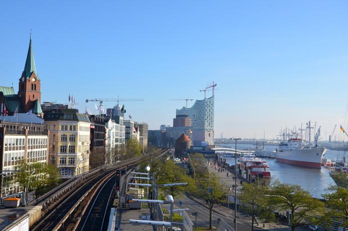 Hamburg Tipps: Blick auf die Elbphilharmonie in Hamburg