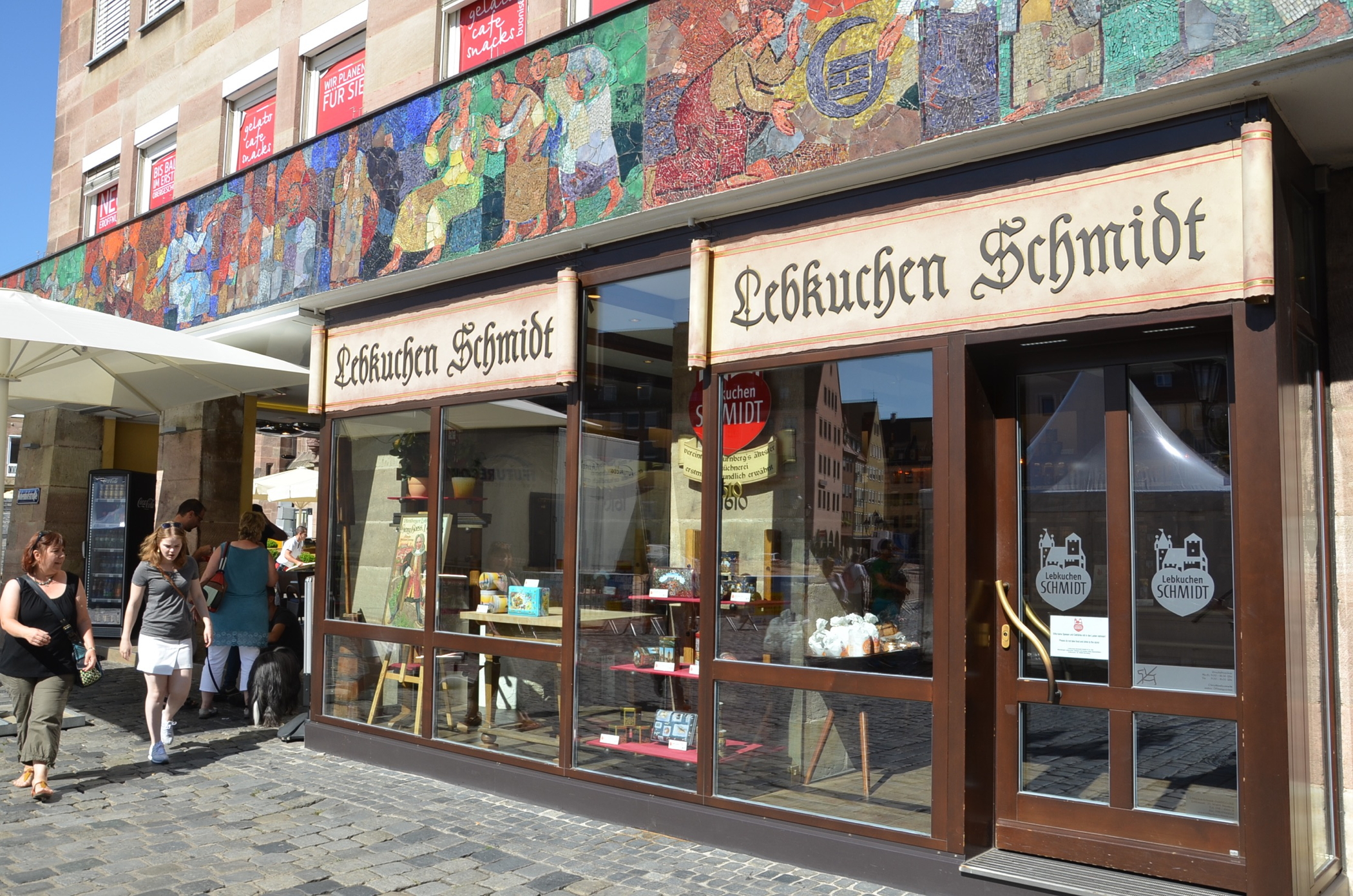 Find the best Nuremberg sausage and gingerbread in the best nuremberg restaurants and Lebkuchen Schmidt