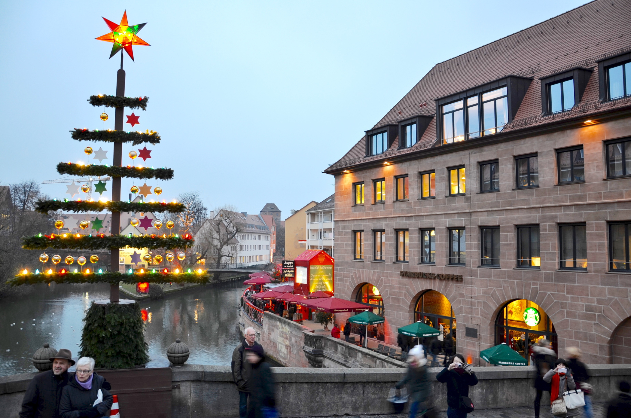 nuremberg restaurants: enjoy nuremberg sausage and mulled-wine