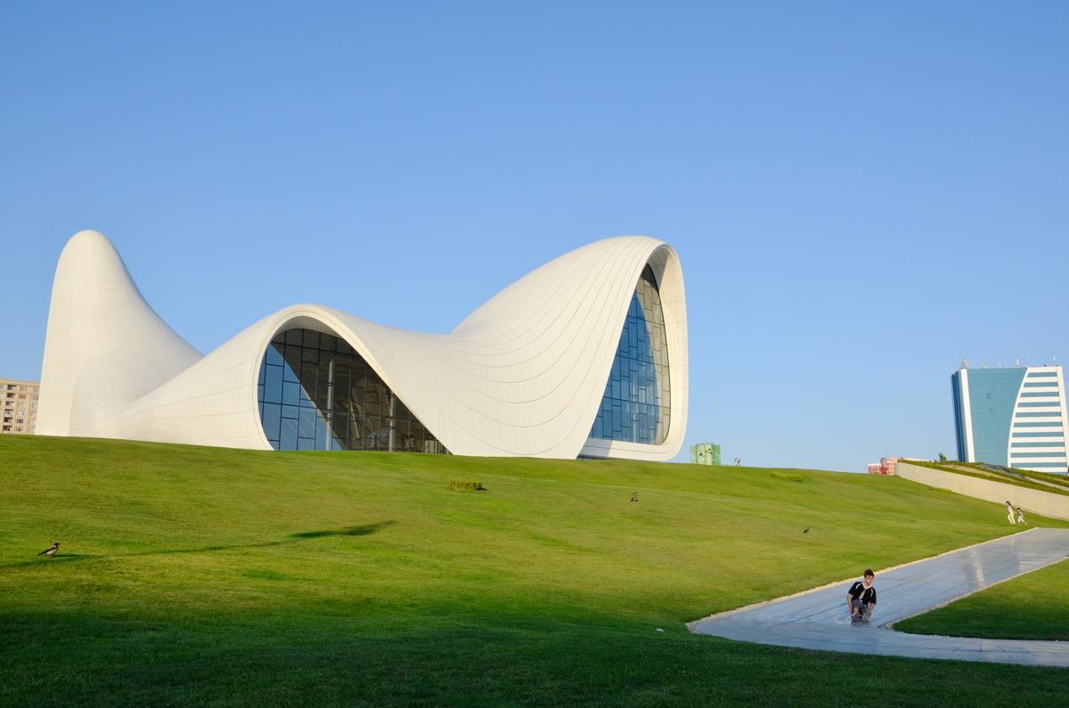 Rundreise_Aserbaidschan_Heydar_Aliyev_Center