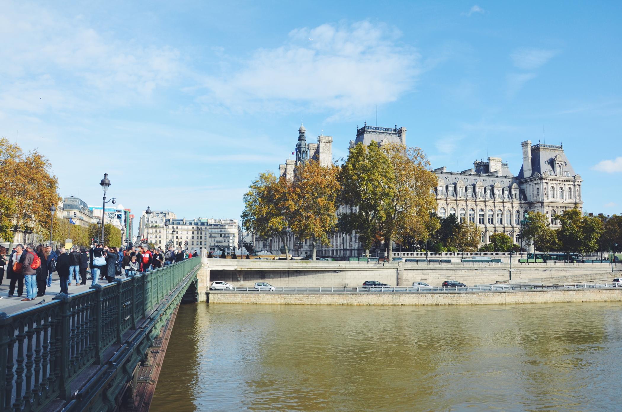 Ein Tag in Paris an der Pont Neuf