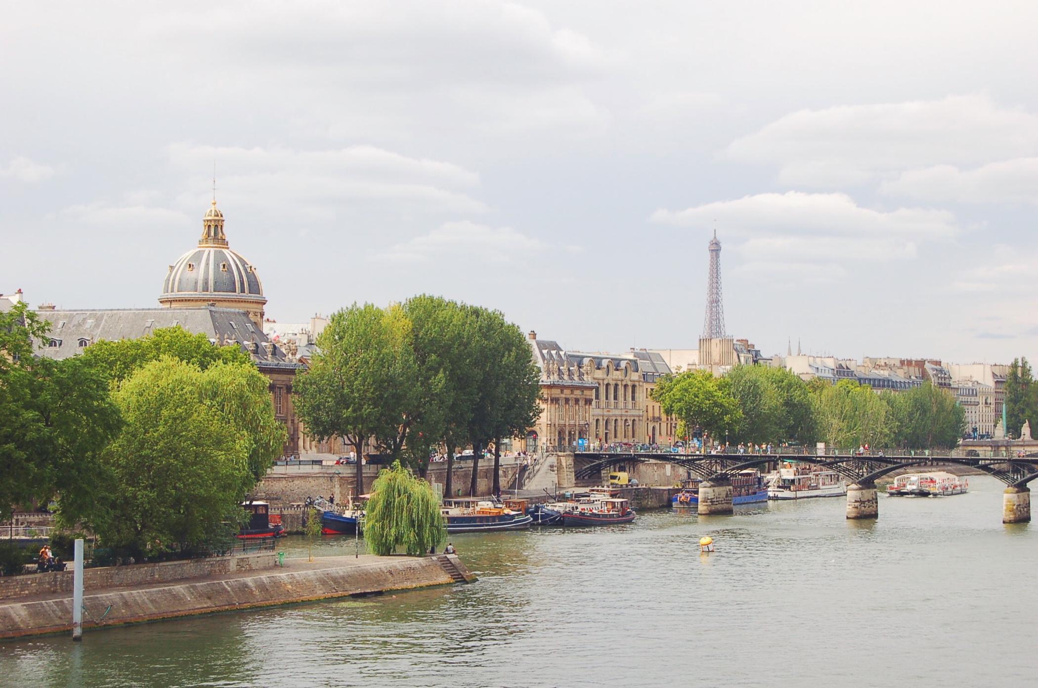 Ein Tag in Paris mit dem Eiffelturm