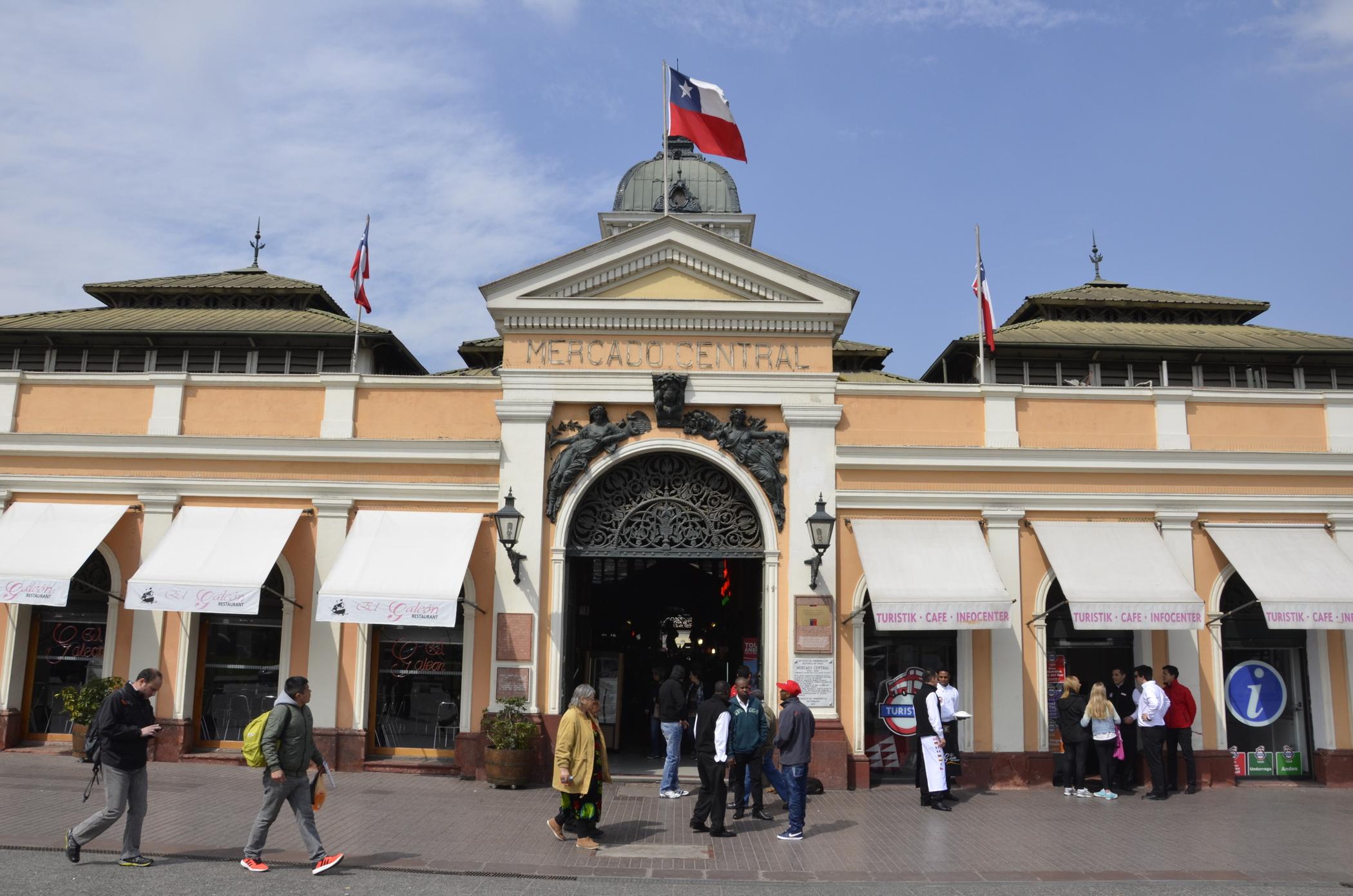 Sehenswürdigkeiten Chile wie der Mercado Central in Santiago de Chile
