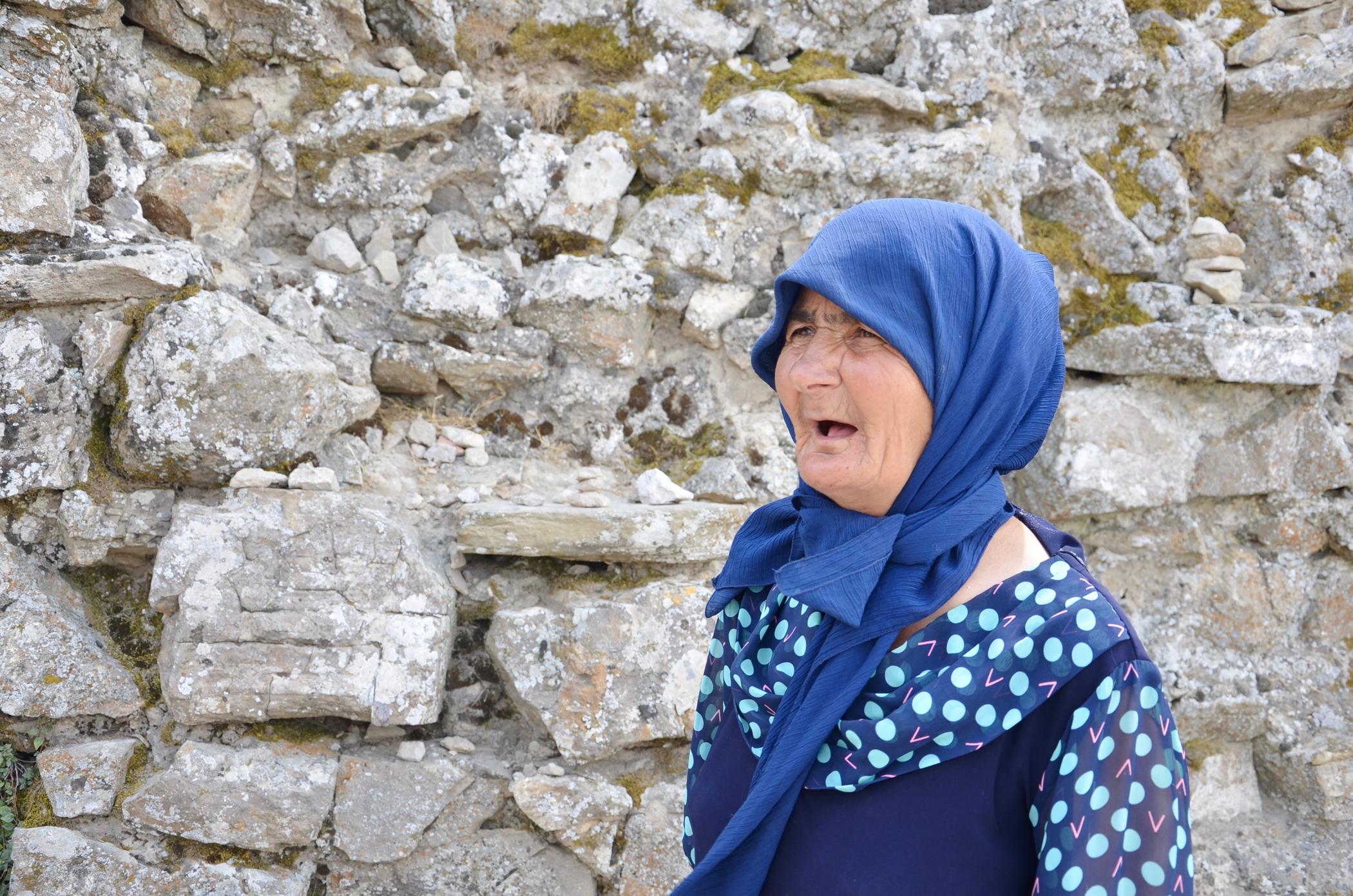 Rundreise_Aserbaidschan_Alte_Frau