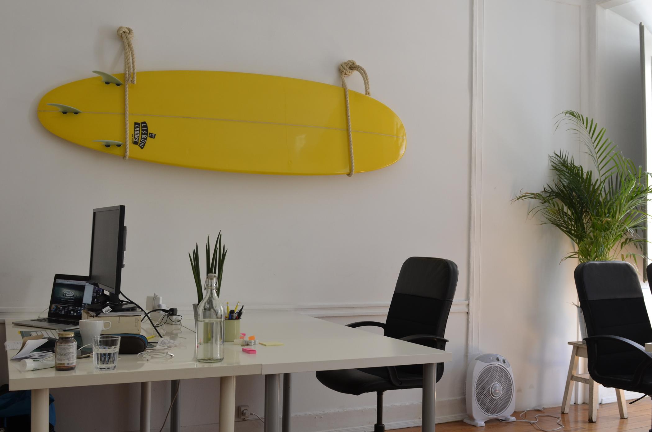 Von Surfbuiding Peniche zum Surf Office Lissabon