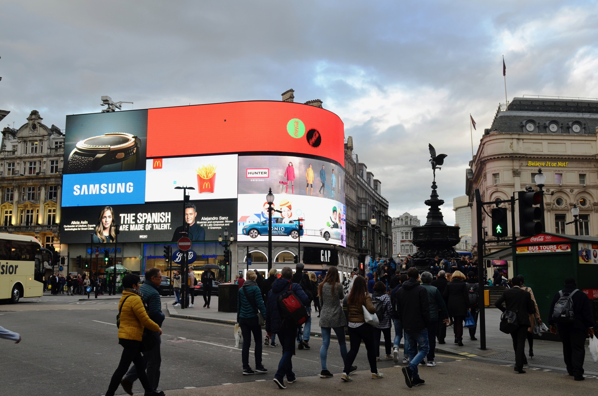 Swinging London Piccadilly Circus