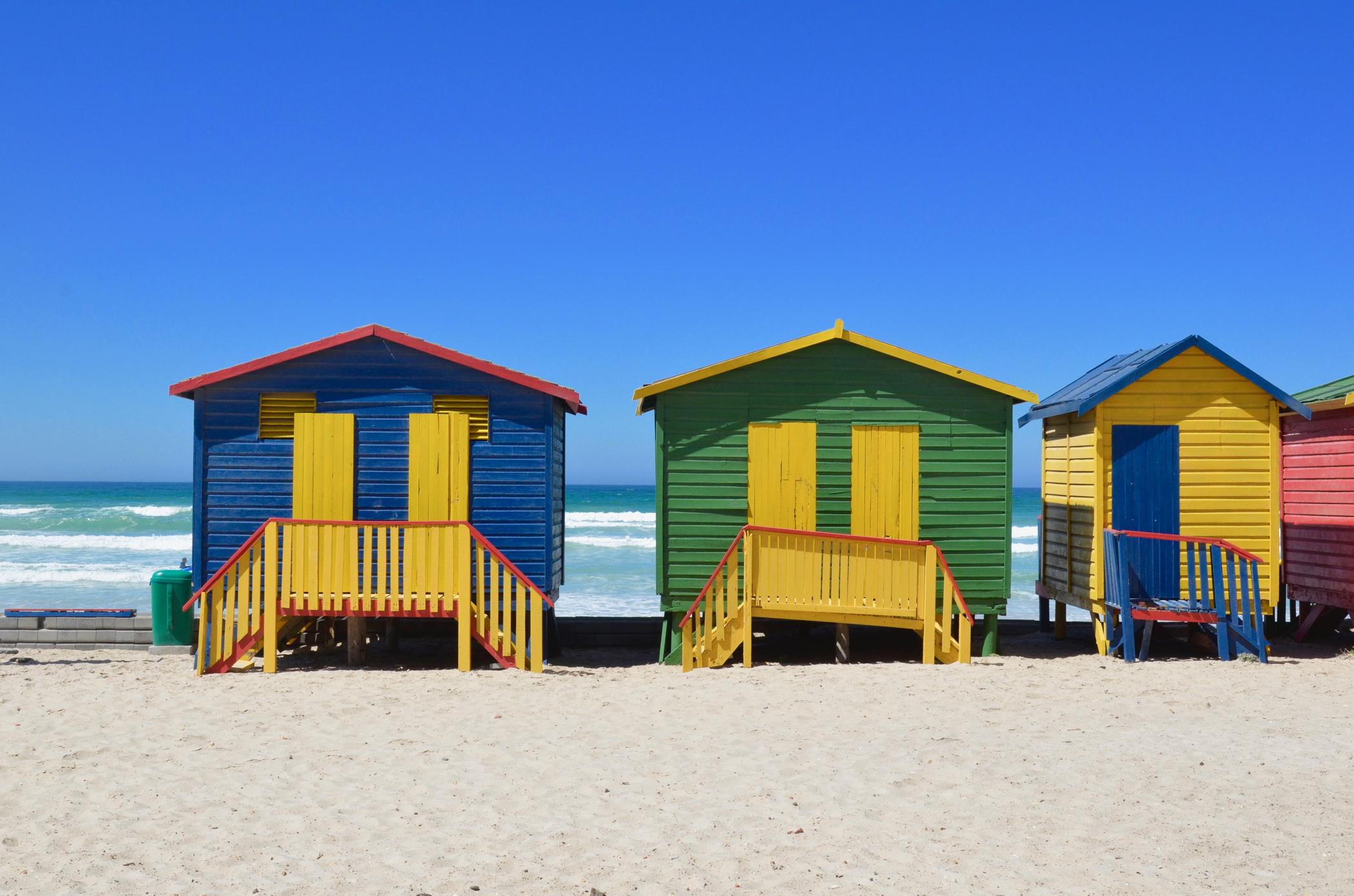 Die Häuser am Muizenberg Beach gehören zu jedem Südafrika Roadtrip