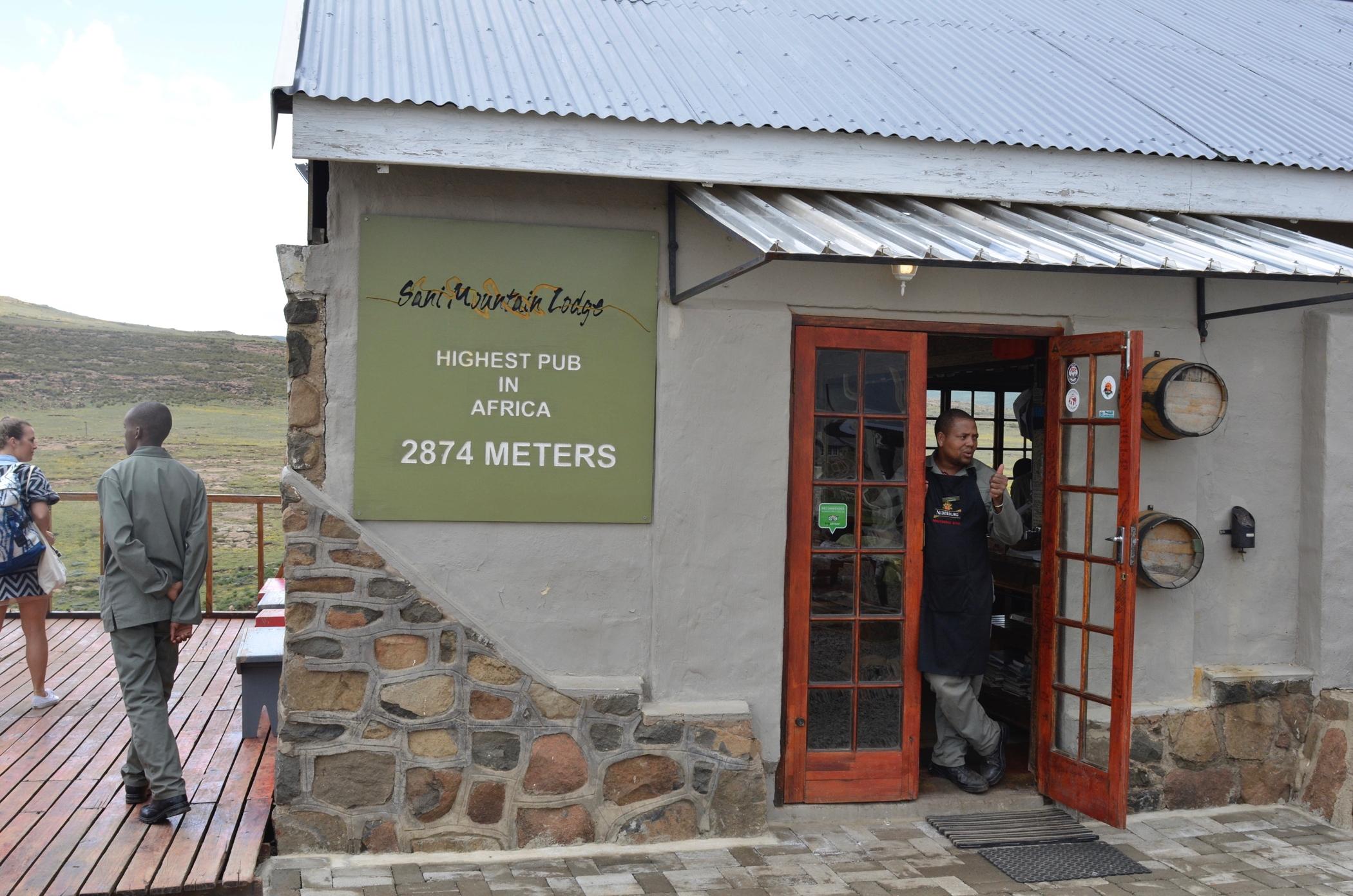 Ein Südafrika Roadtrip bringt dich zum höchsten Pub in Afrika