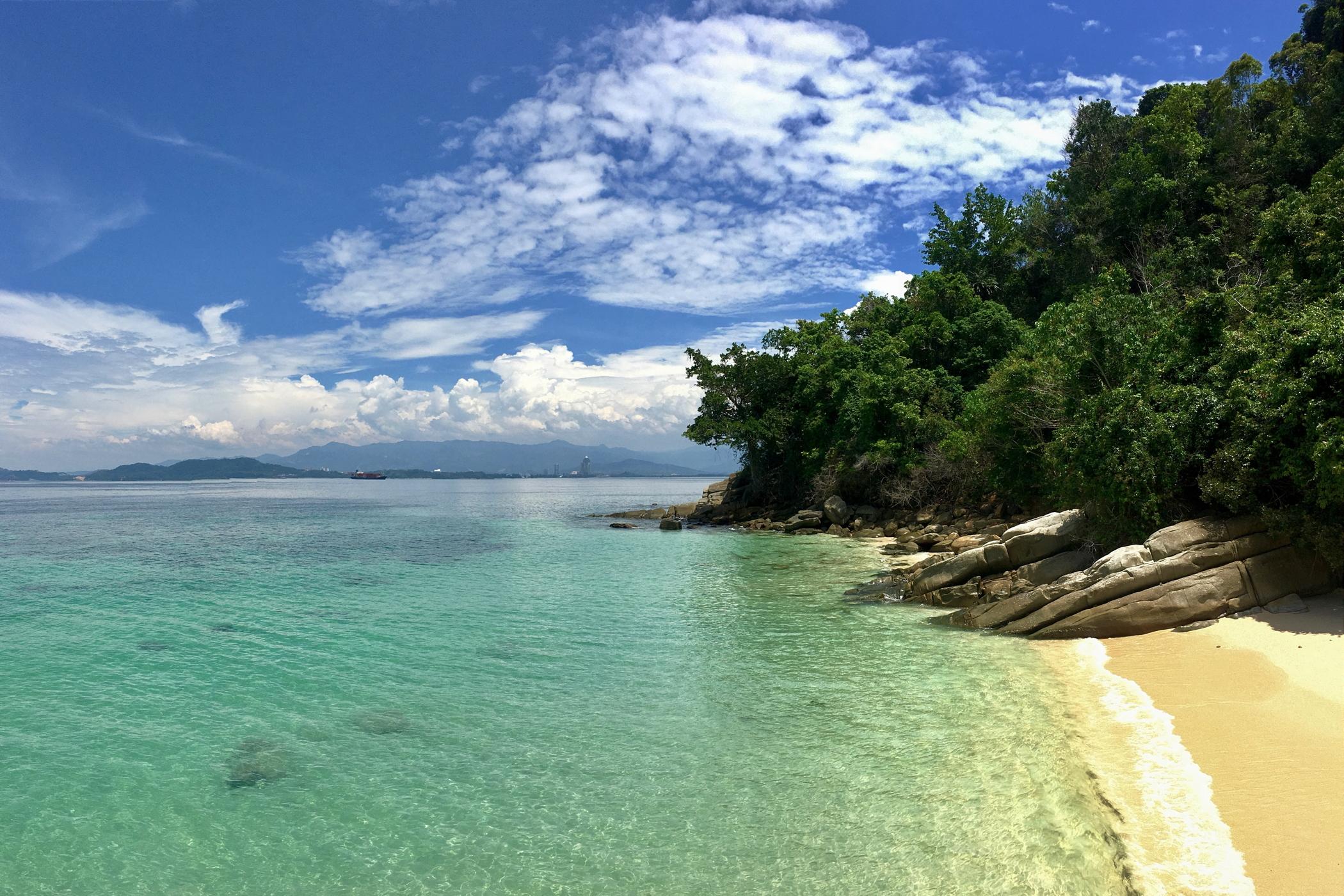 Großstadtdschungel-Malaysia-Gaya-Island-Resort-Meer-Strand