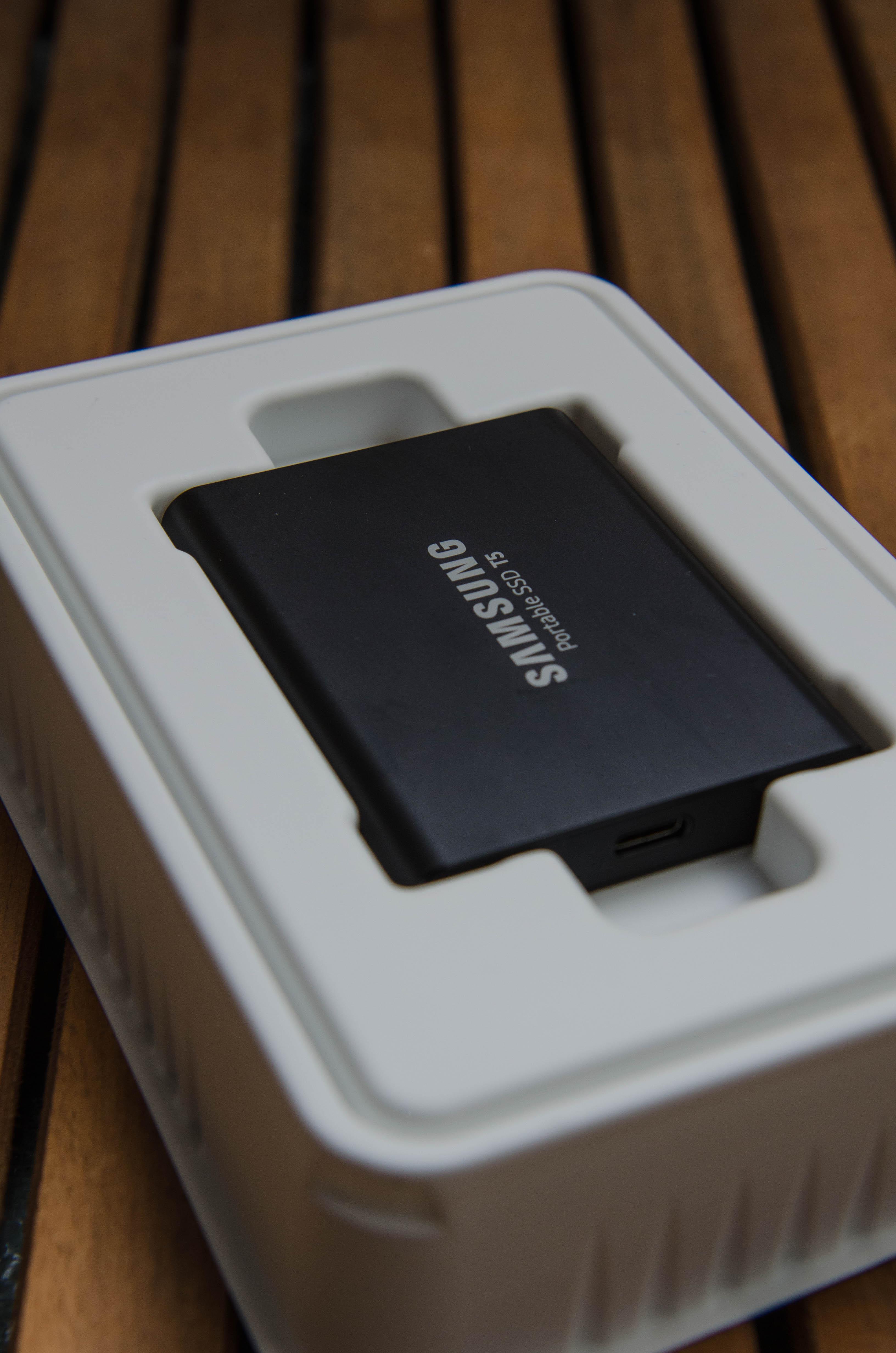 Unpacking und Fotos speichern auf Reisen mit der Samsung Portable SSD T5